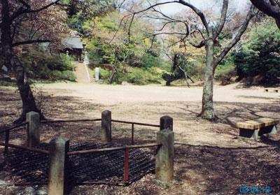 滝山城本丸井戸