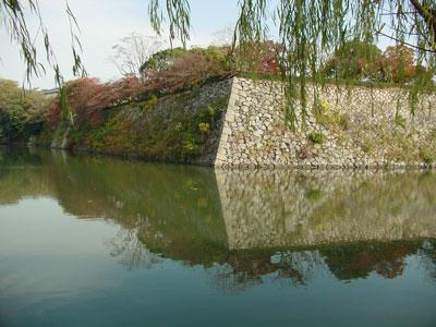 姫路城西の丸下の堀