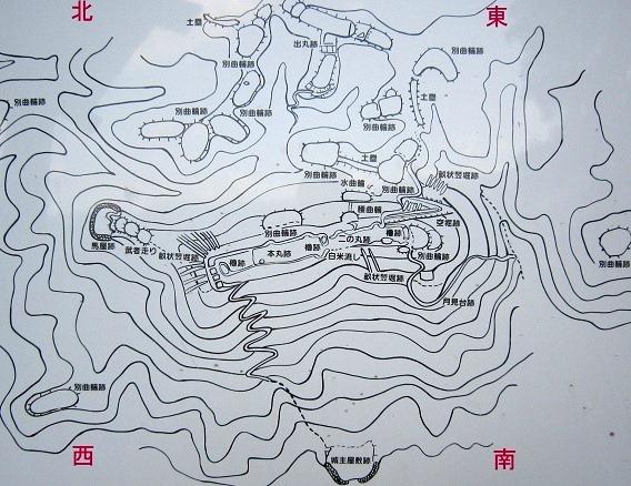 益富城縄張図