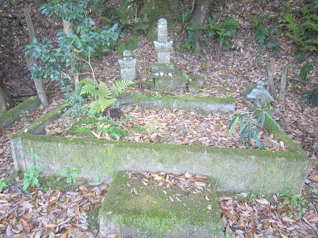 02尼子興久墓