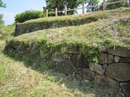 08花の壇石垣