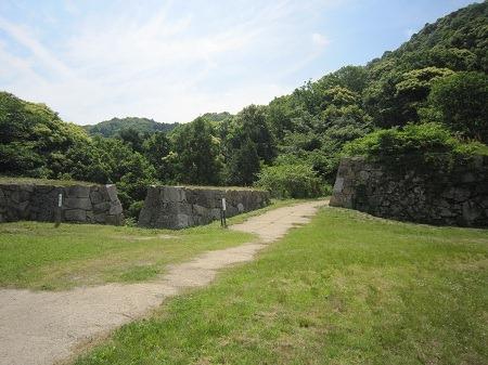 20菅谷口石垣1