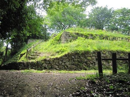 27三の丸石垣1
