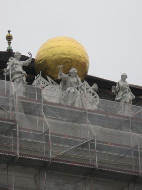 26大広間彫像1 (2)