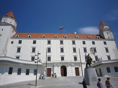09ブラチスラヴァ城正面