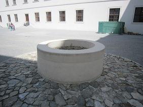 15井戸1