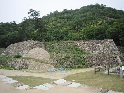 11天球丸巻石垣1