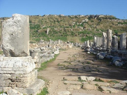 アクロポリスの丘を