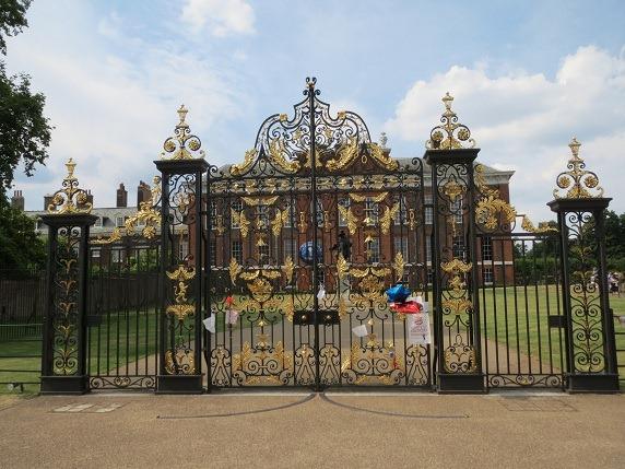ケンジントン宮殿正門