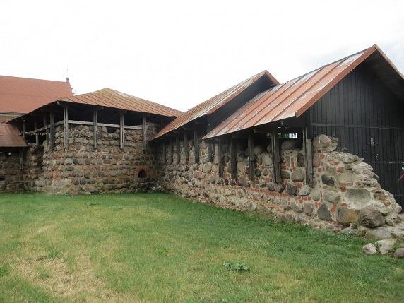09南西の建物と城壁