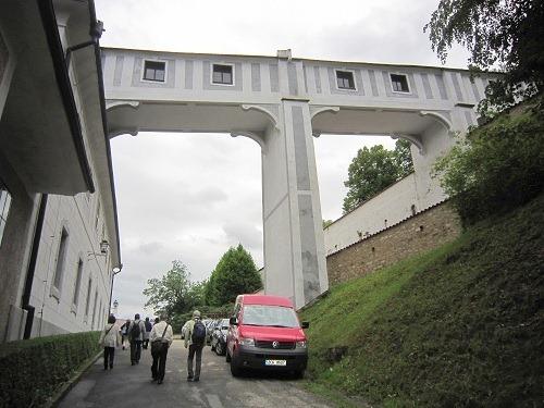03城内庭園へ通じる橋