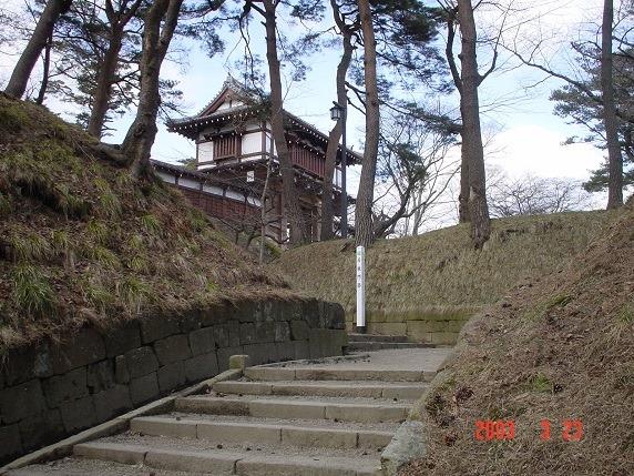 長坂門跡と表門