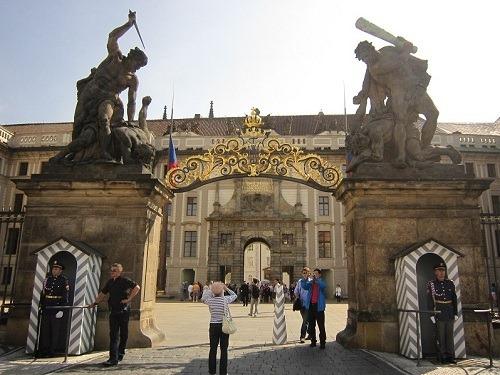 05巨人の門