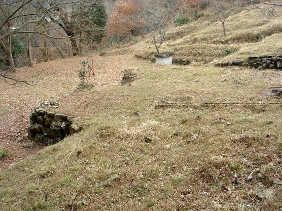 蛇山岩尾城山麓の屋敷群跡