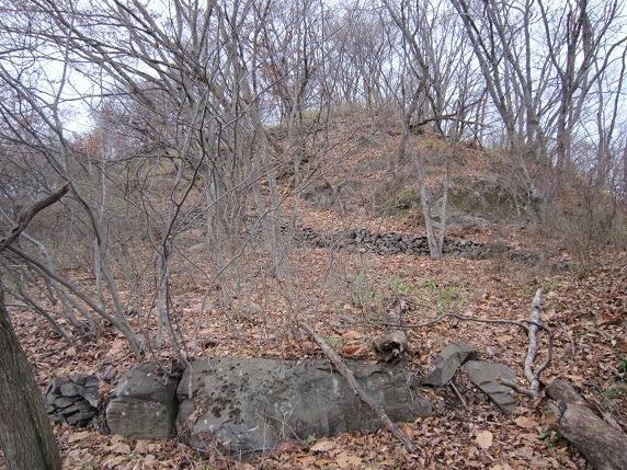 主郭南側塁段の石垣