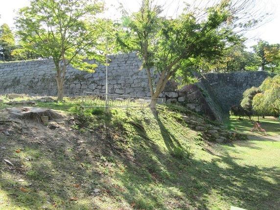 三の丸北角石垣