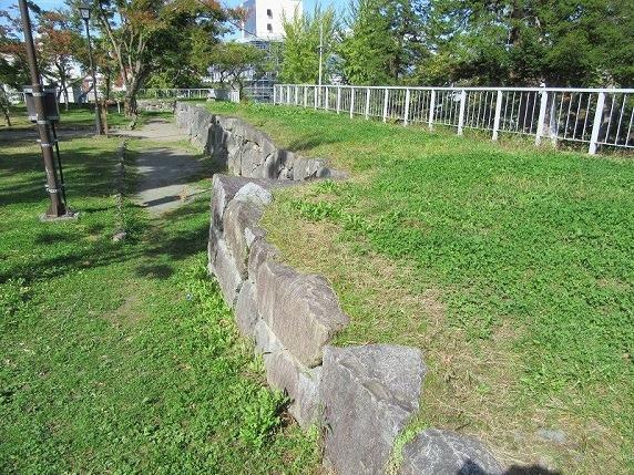 本丸多聞櫓跡石垣