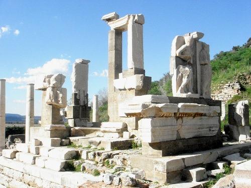 07メミウス記念碑
