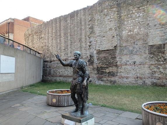 ローマ時代の城壁