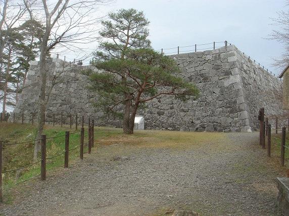 本丸西面石垣 (1)