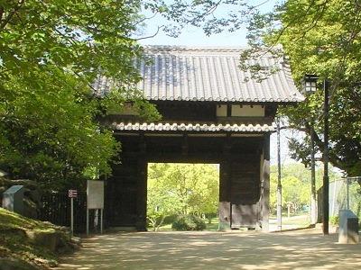 名島城移築城門