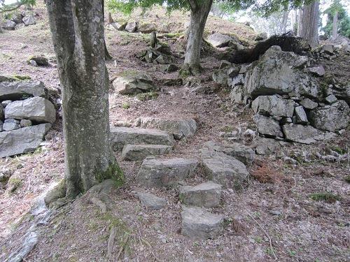 15二の丸から本丸への石段