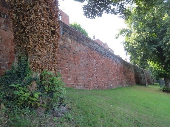 ウォーターゲート脇の城壁