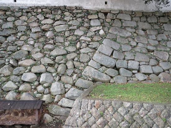 21黒田石垣と細川石垣