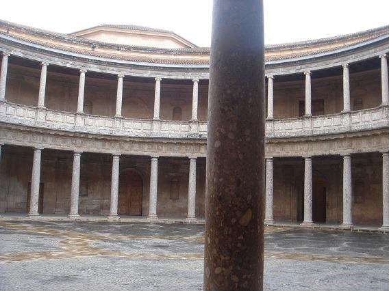 26カルロス5世宮殿2
