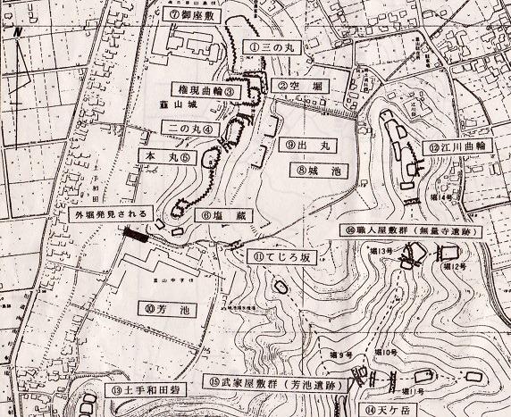 韮山城縄張図