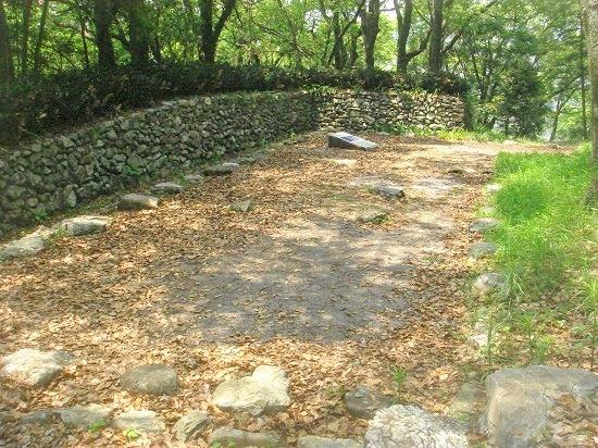 25三ノ段石垣