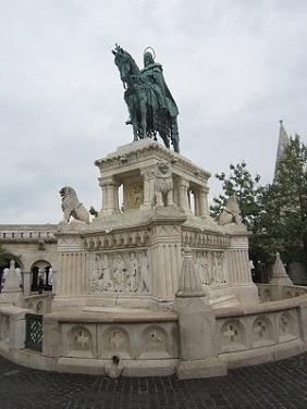 076イシュトバーン銅像1