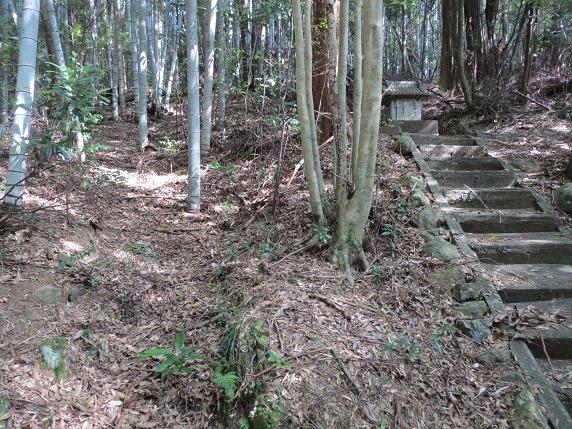 09登り口