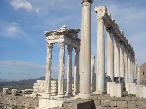 トラヤヌス神殿3