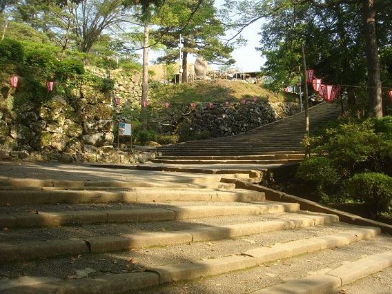 杉ノ段への石段