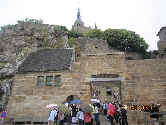 アヴァンセの城門