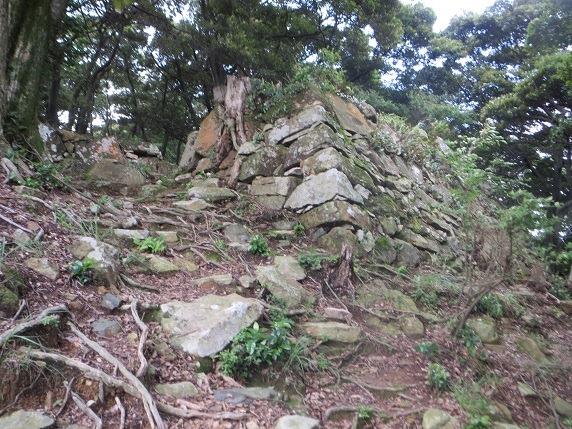 二の丸虎口北側の石垣