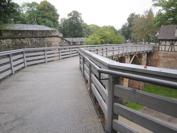 14濠と橋