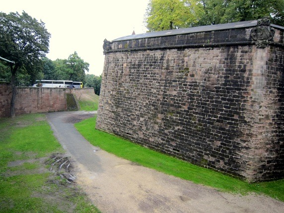 15城の北側の濠