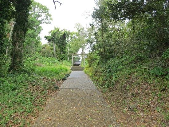01北八雲神社への道