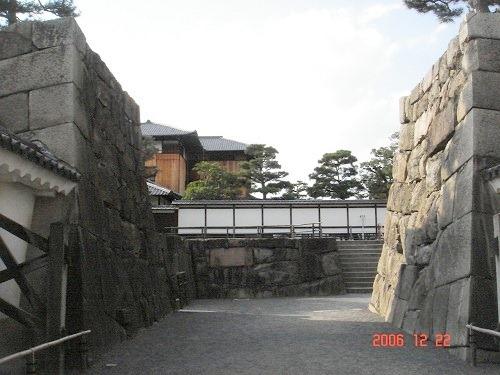 08櫓門枡形石垣