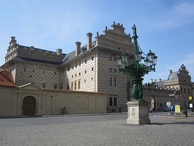 シュヴァルツェンベルク宮殿とガス灯