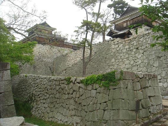 11筒井門と太鼓櫓