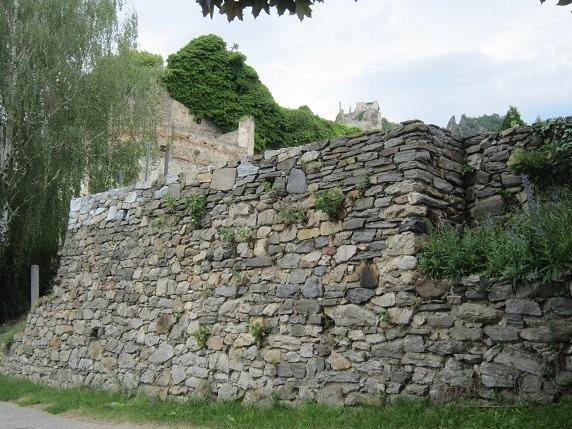 石垣とケーンリンガー城