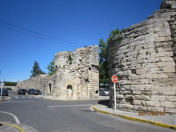 カヴァルリ門と城壁