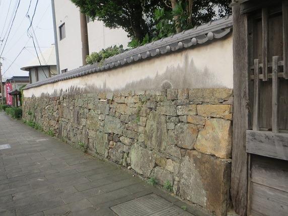 長屋門脇石垣