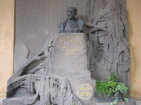 37ドボルザーク墓