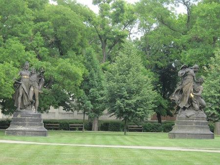 40彫像1