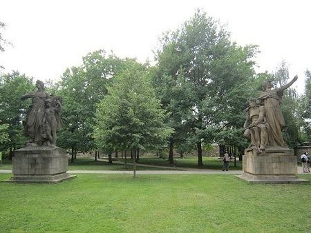 40彫像2