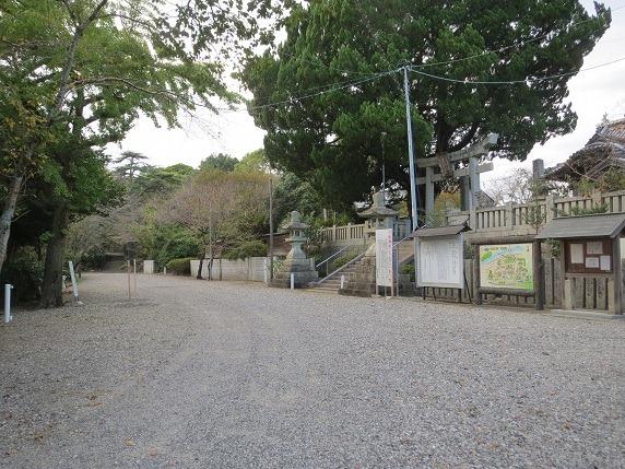 川島城二の丸と三の丸